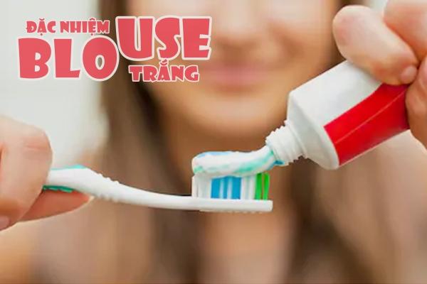 Kem đánh răng có công dụng trị thâm môi tuyệt vời