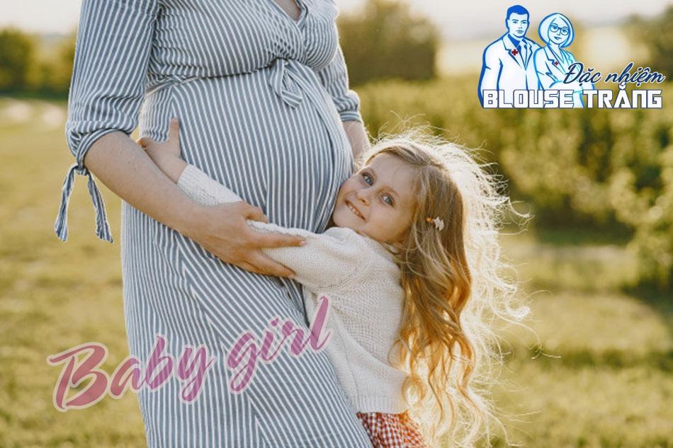 Bà bầu có mụn không phải là dấu hiệu chính xác để sinh con gái